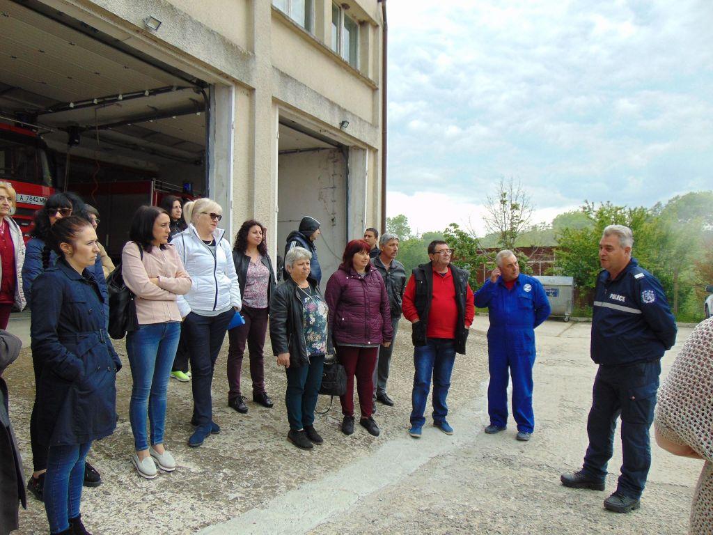 Провеждане на обучение от РСПБЗН - град Царево - голяма снимка